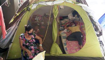 Crisis en Apure y Arauca | El inédito éxodo de venezolanos a «la otra frontera» con Colombia por violencia