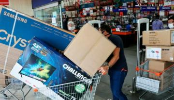 """""""Compremos colombiano"""": La petición del presidente Iván Duque de cara a los días sin IVA [VIDEO]"""